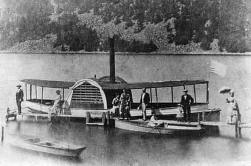 steam powered tour boat